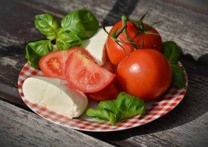 tomatoes-tomato-mozzarella-basil-mozzarella-144239